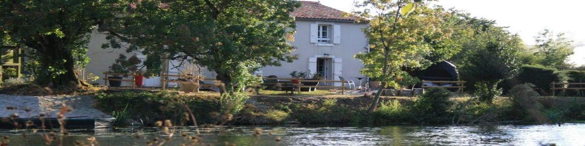 hotel-au-bord-de-riviere