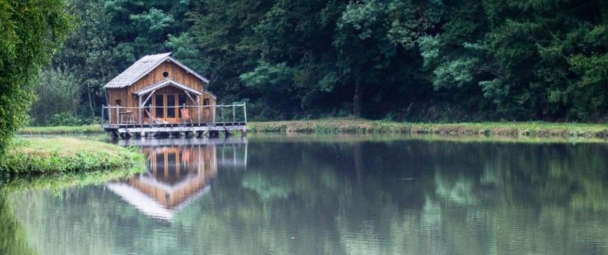 cabane sur l'eau dordogne