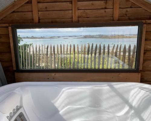 villa sur la mer avec jacuzzi